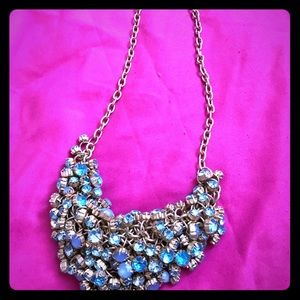 Jewelry - Aquamarine colored costume necklace
